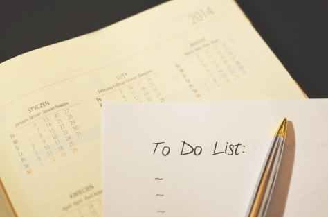 pen calendar to do checklist